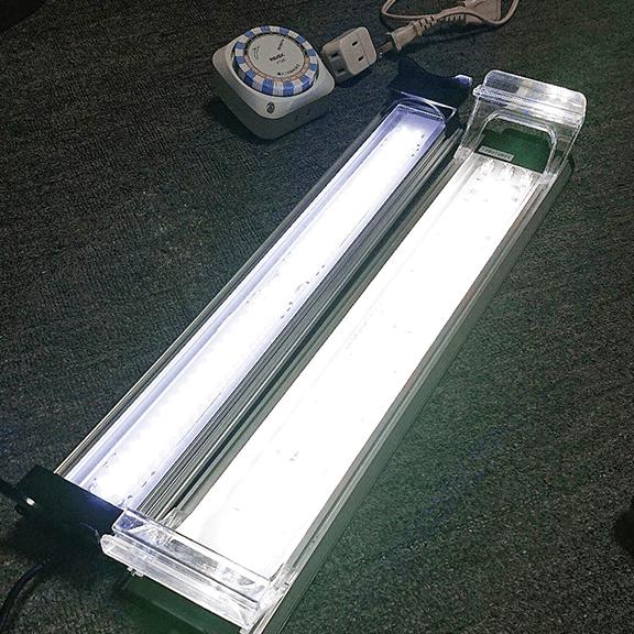 水槽LEDライト